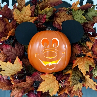 Copycat Not So Scary Mickey O'Lantern Wreath - A Magical Kingdom called Home