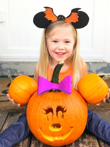 Minnie Mouse Jack O'Latern - Disney Pumpkin - A Magical Kingdom called Home