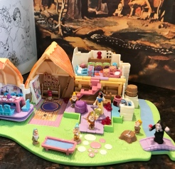 Snow White and the Seven Dwarfs Polly Pockets