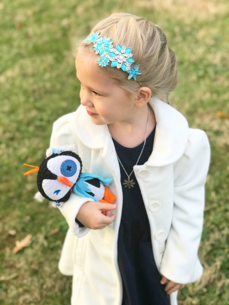 Elsa Disneybound - Olaf's Frozen Adventure Mini-Movie Night